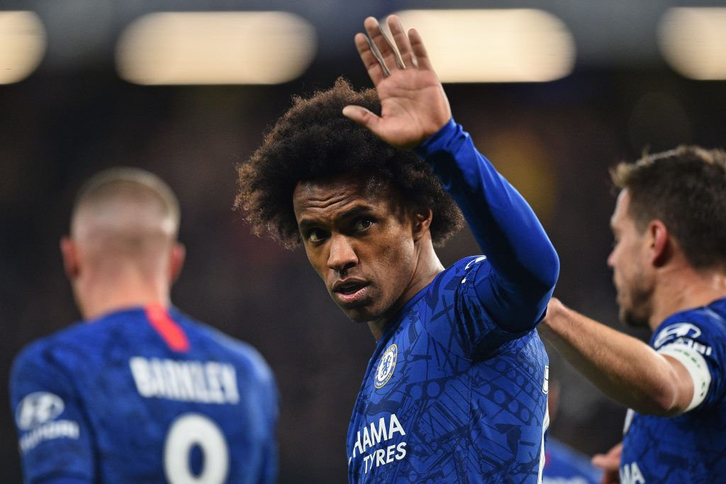 Arsenal offer willian a three year contract